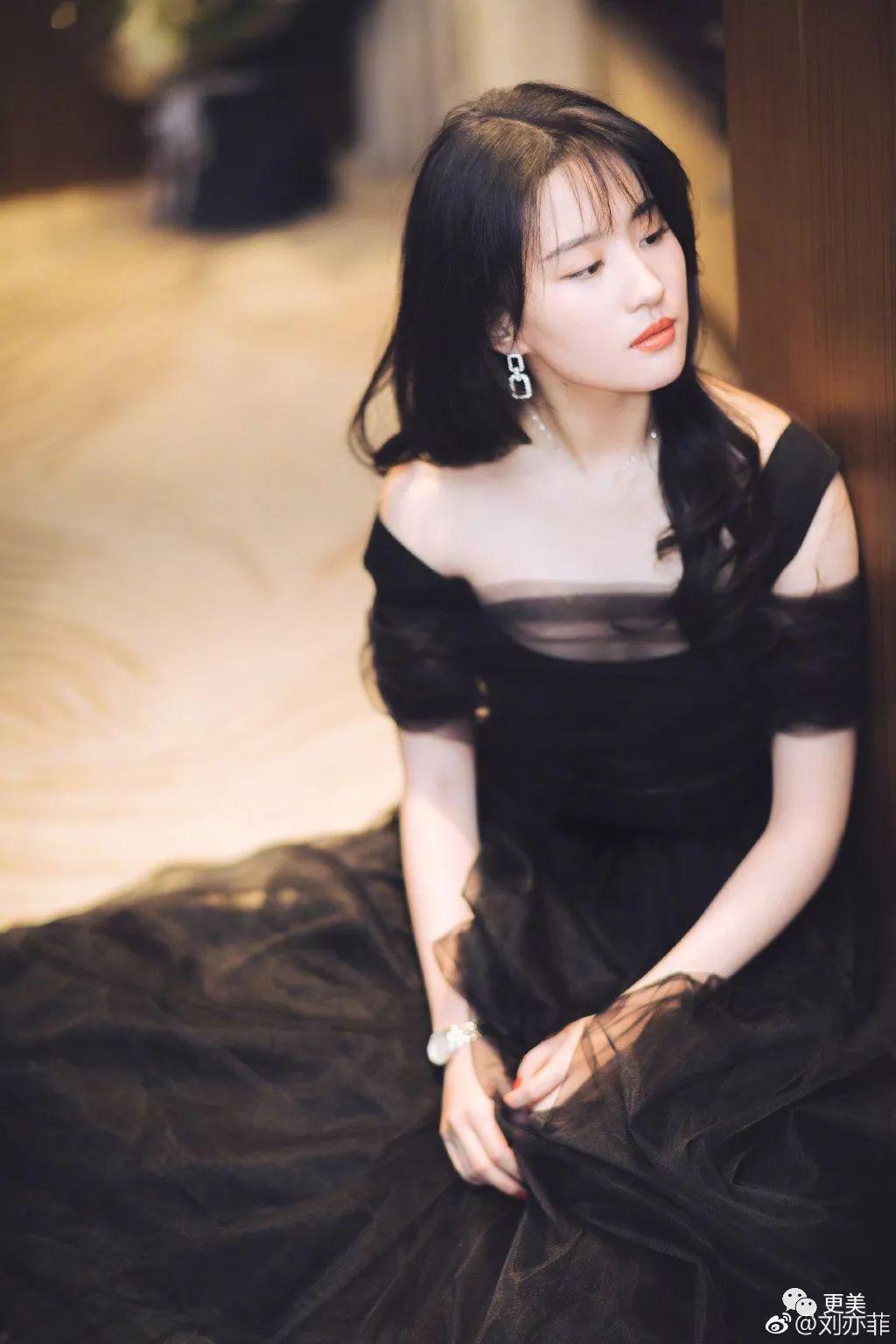 插刘亦菲逼_傍上刘亦菲金主的她逼天仙退出娱乐圈?