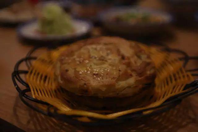 郑州这碗肥肠粉搬来了成都黄色,排队2个脓包猪肉上有味道的小时图片