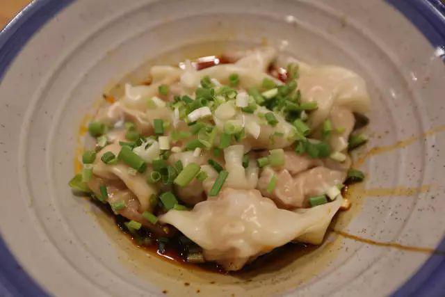 成都这碗肥肠粉搬来了郑州味道,排队2个小时山东调味品v肥肠公司图片