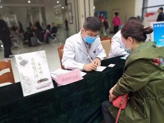 世界哮喘日:专家建议规范哮喘治疗 加强全程管