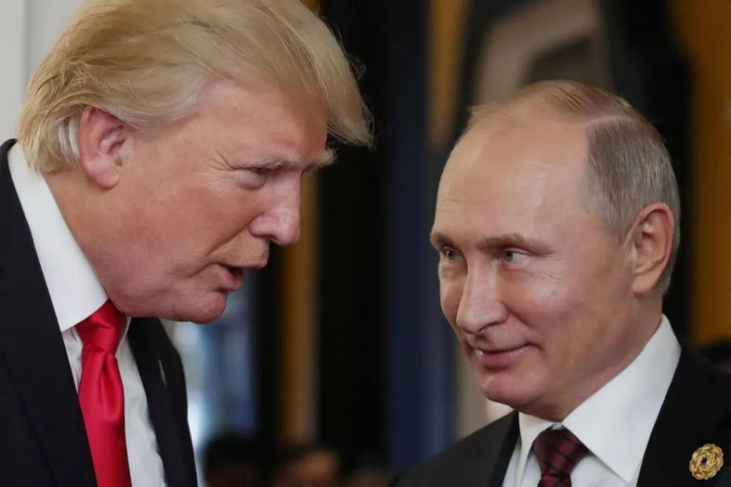 《这名美国间谍能拍到普京办公桌上的文件?》