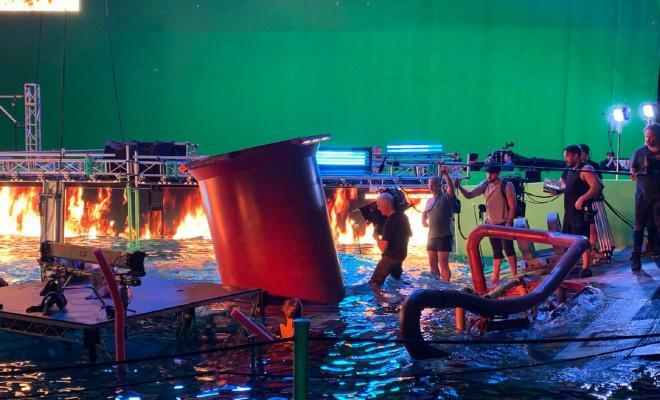 《阿凡达 2》曝光片场照 水下戏份成影片重点