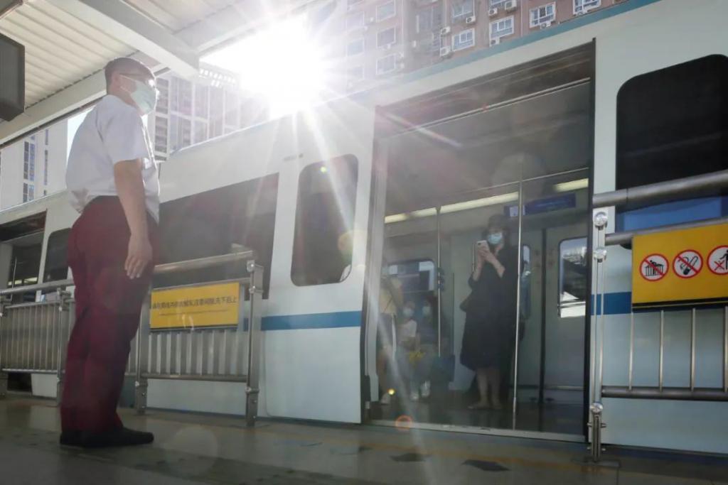 今天武汉地铁再次优化调整 缩短行车间隔提升运能