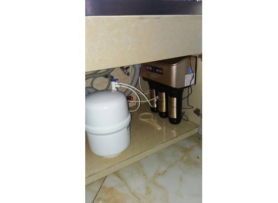 家用净水器有桶和无桶哪个好(净水器购买前必备入坑经验)