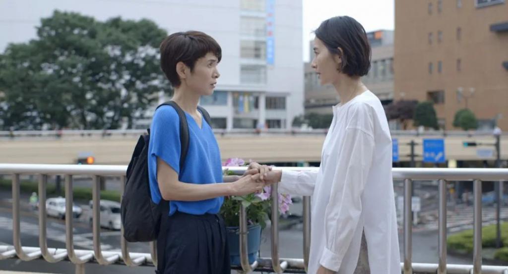《偶然与想象》影评:今年连爆两片,这个日本导演拍尺度戏绝了