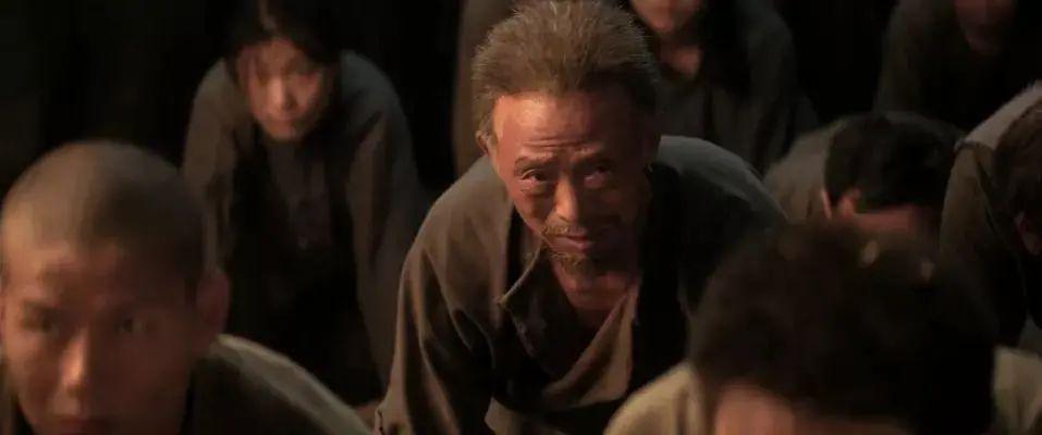 """《水怪 2:黑木林》影评:网络热度第一,票房第一,这部恐怖片凭什么这么""""豪横""""?"""