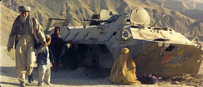 《佛在耻辱中倒塌》影评:最不像战争片的战争片,比枪林弹雨更残酷