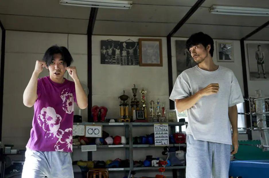 三大日影男神决战拳坛,这么反传统的另类热血片,还真少见