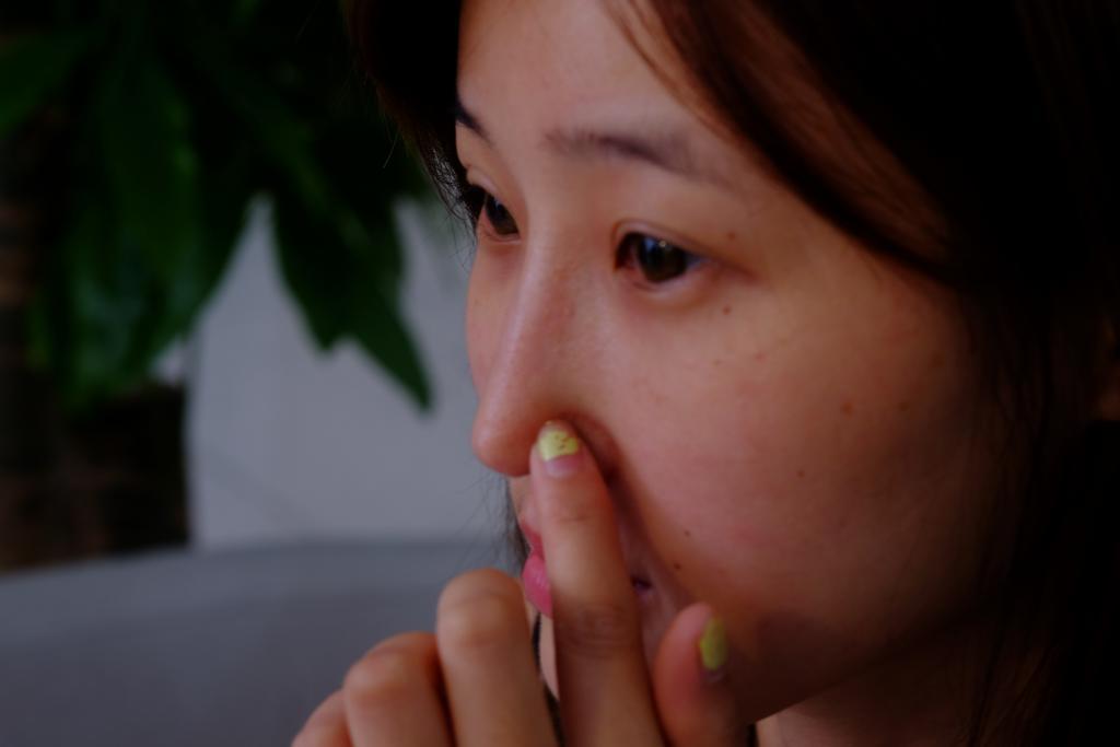 新快报·ZAKER广州:22岁模特为变美,竟往鼻里塞别人的骨头!