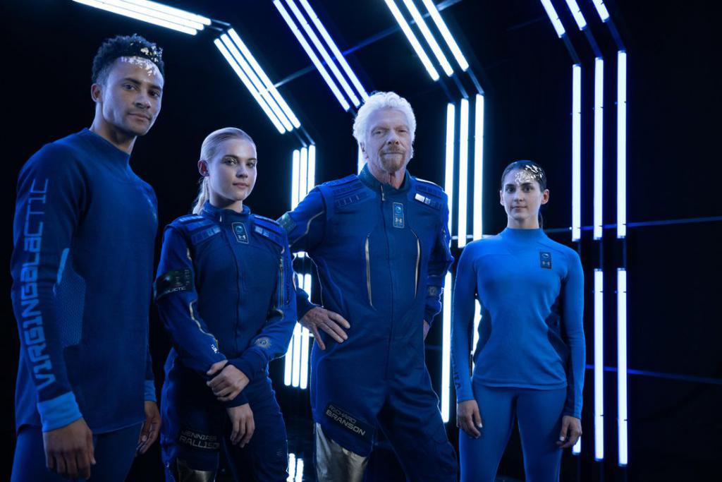 硅谷望远镜   维珍银河推出商业航天服,太空旅行也不能「撞衫」