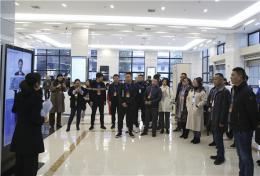 湖南高院举行公众开放日活动 社区干部零距离体验阳光司法