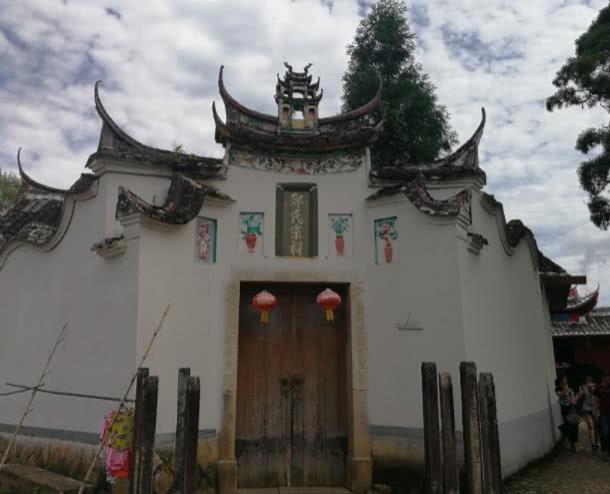 中国最牛的祠堂,只因村中老人有钱,谁都不敢拆迁