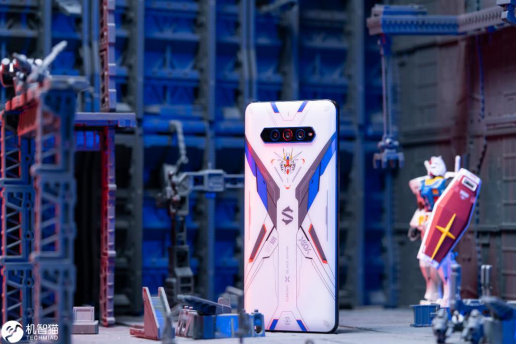 """黑鲨游戏手机4S测评:可能是目前最""""残暴""""的骁龙870手机 评测 第1张"""